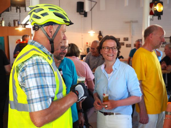 Ministerin Ina Scharrenbach Altstadtfunken Opladen